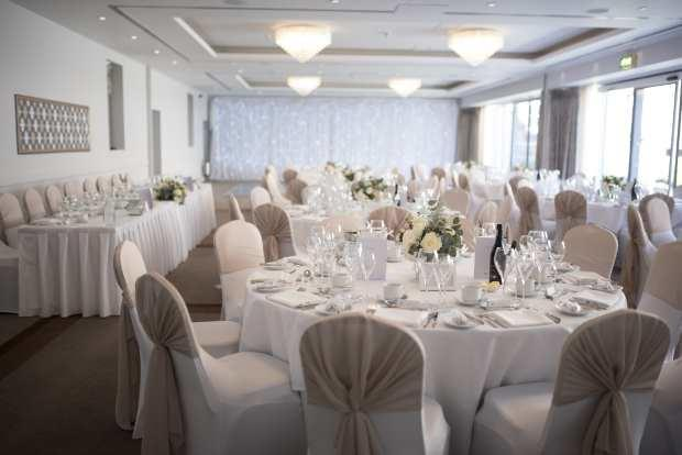 Cheap Wedding Chair Covers >> Stretch Wedding Banquet Chair Covers Uk Hotel Supplier Forbes Group